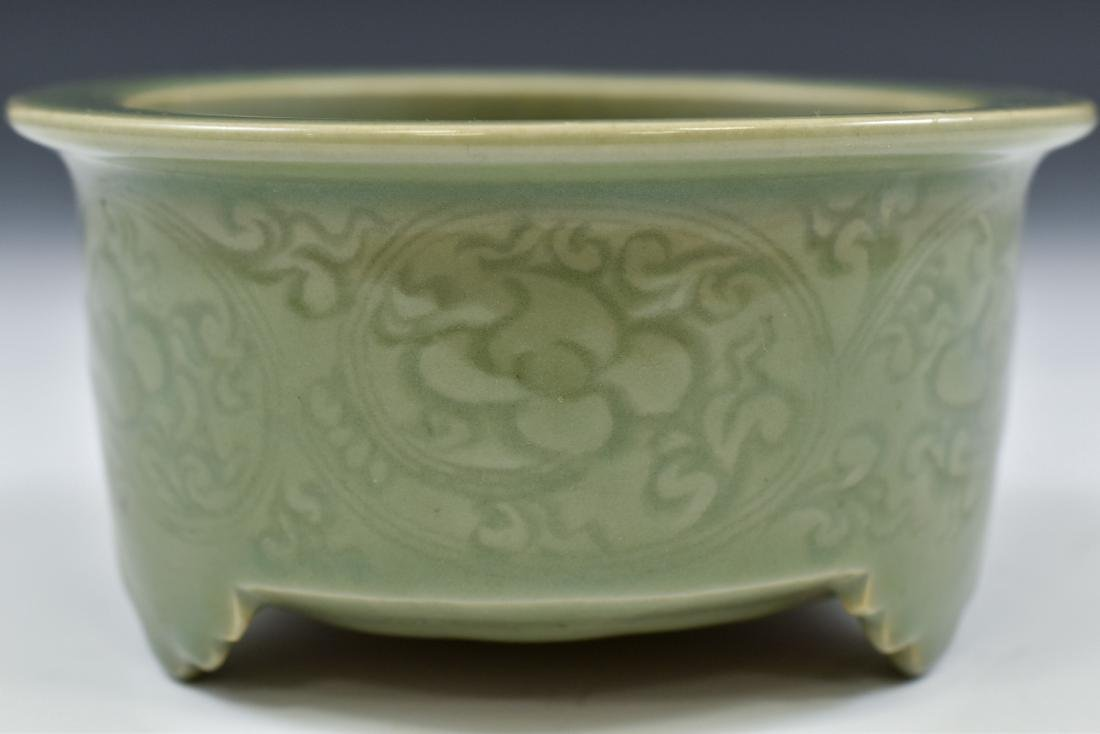 CHINESE SGRAFITTO FLORAL CELADON CENSER - 3