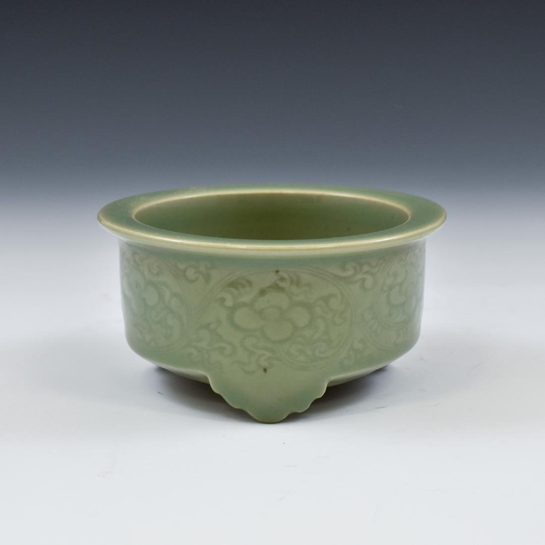 CHINESE SGRAFITTO FLORAL CELADON CENSER - 4