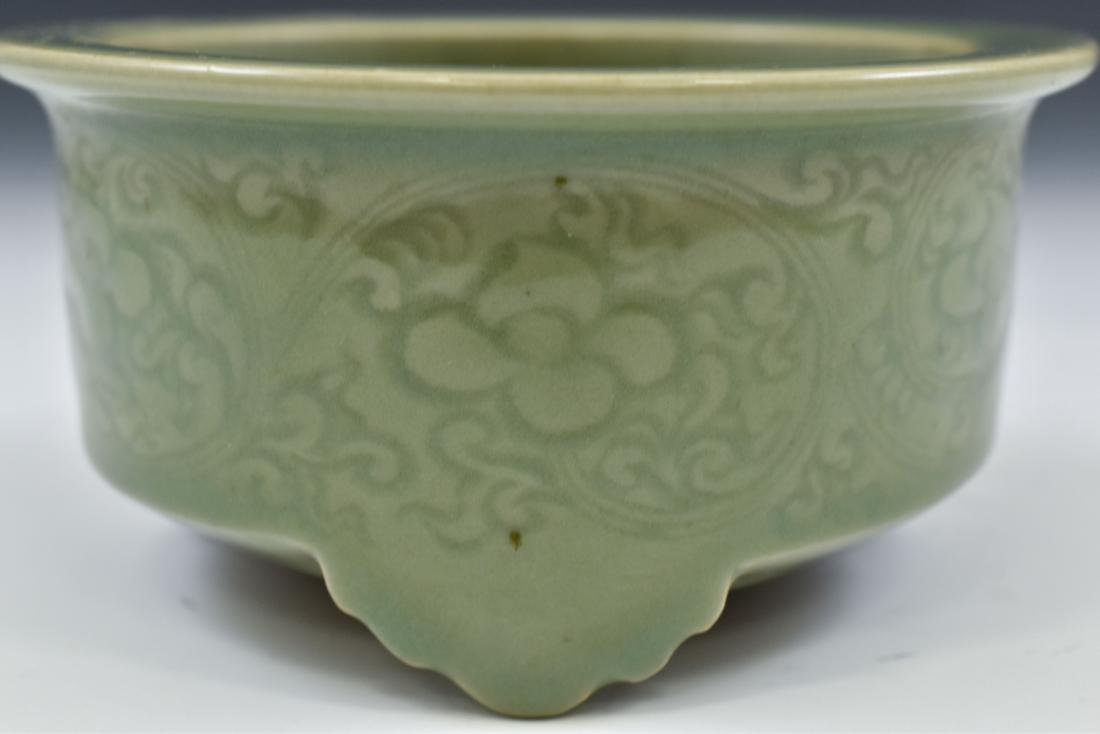 CHINESE SGRAFITTO FLORAL CELADON CENSER - 5