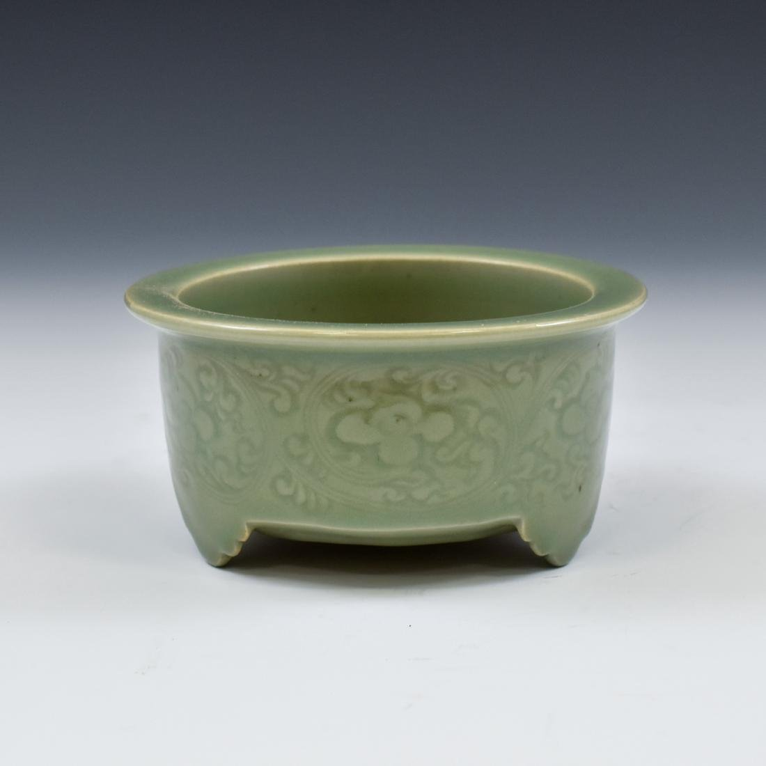 CHINESE SGRAFITTO FLORAL CELADON CENSER - 6