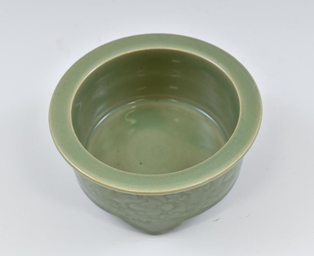 CHINESE SGRAFITTO FLORAL CELADON CENSER - 7
