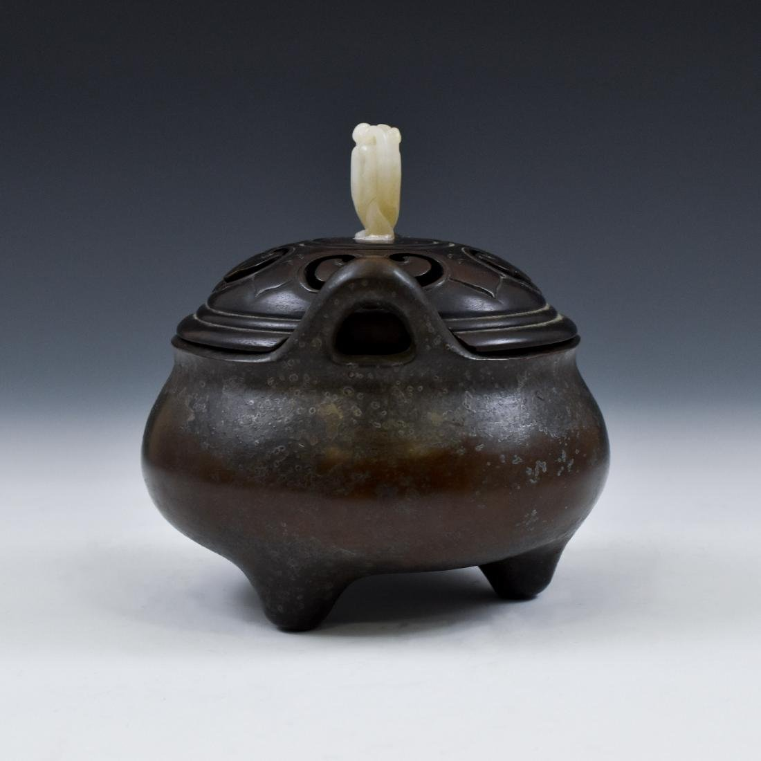 MING BRONZE LIDDED TRIPOD CENSER WITH JADE FINIAL  - 5