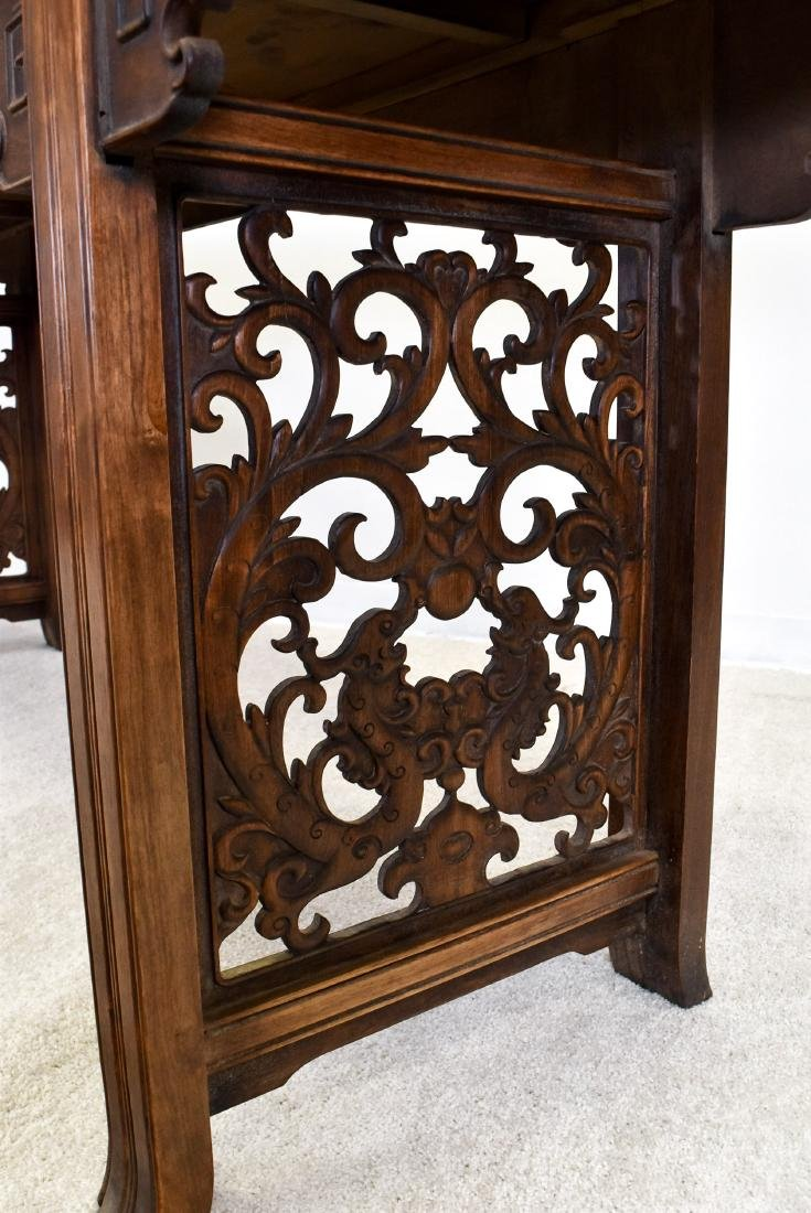 19TH C QING HUANGHUALI EVERTED ENDS ALTAR TABLE - 4