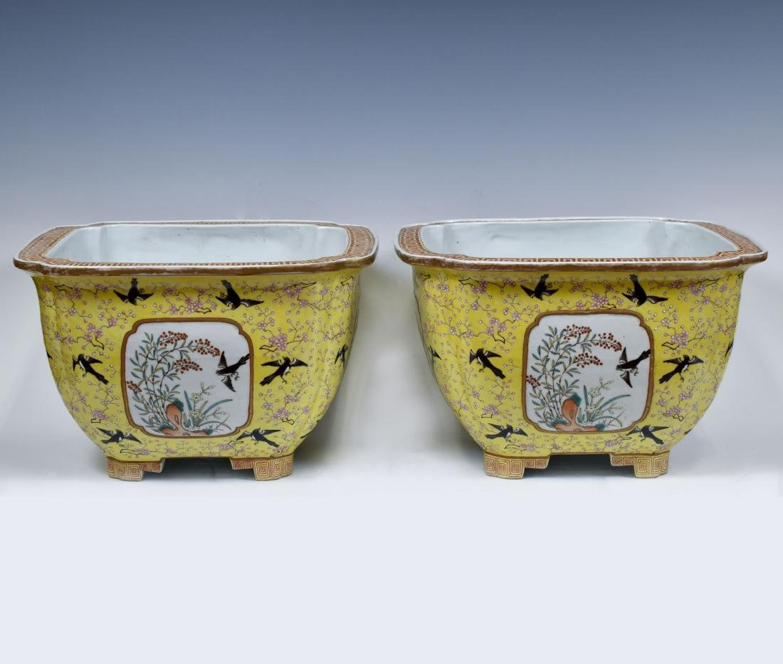 19TH C PAIR OF CHINESE PORCELAIN PLANT POTS