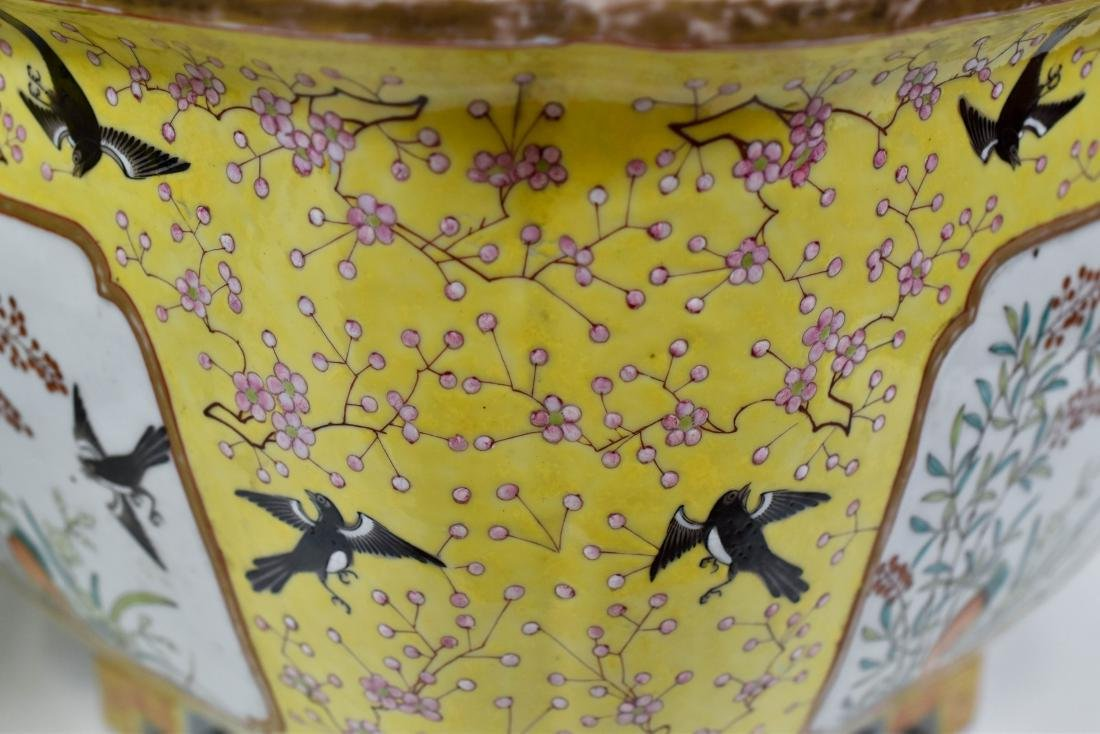 19TH C PAIR OF CHINESE PORCELAIN PLANT POTS - 8