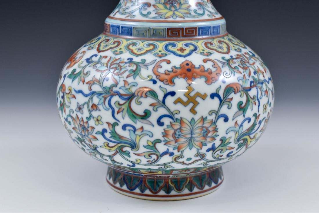 CHINESE QING BAJIXIANG THEMED DOUCAI CELESTIAL VASE - 7