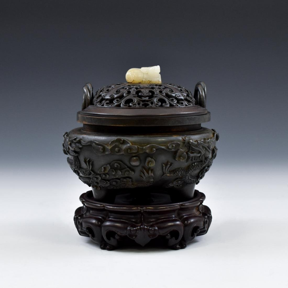 MING BRONZE DRAGON TRIPOD CENSER WITH JADE FINIAL