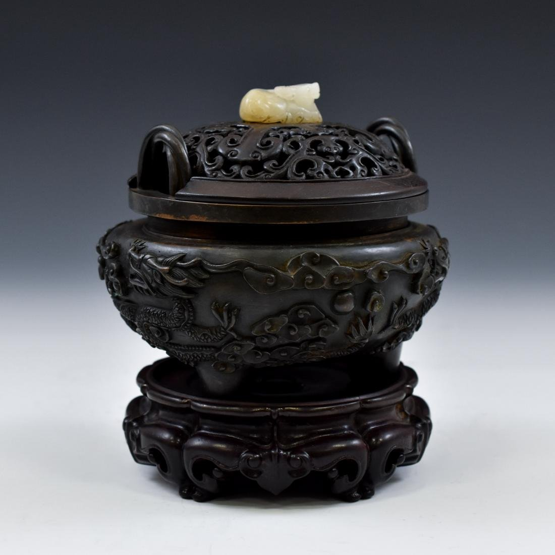 MING BRONZE DRAGON TRIPOD CENSER WITH JADE FINIAL - 3