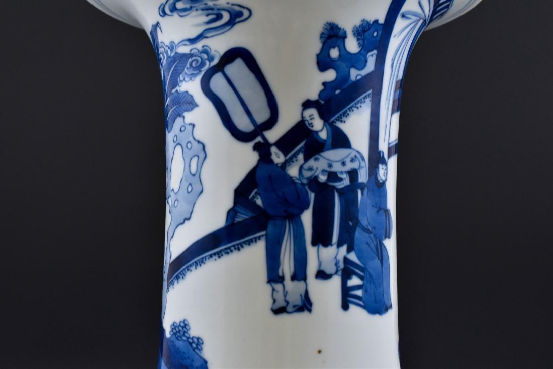 FINE CHINESE BLUE & WHITE PORCELAIN GU VASE - 9