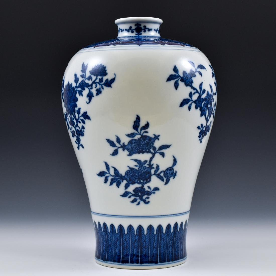 CHINESE BLUE AND WHITE CAMELIA MEIPING VASE