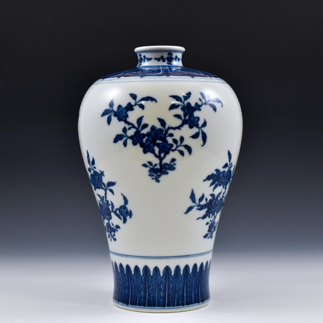 CHINESE BLUE AND WHITE CAMELIA MEIPING VASE - 5
