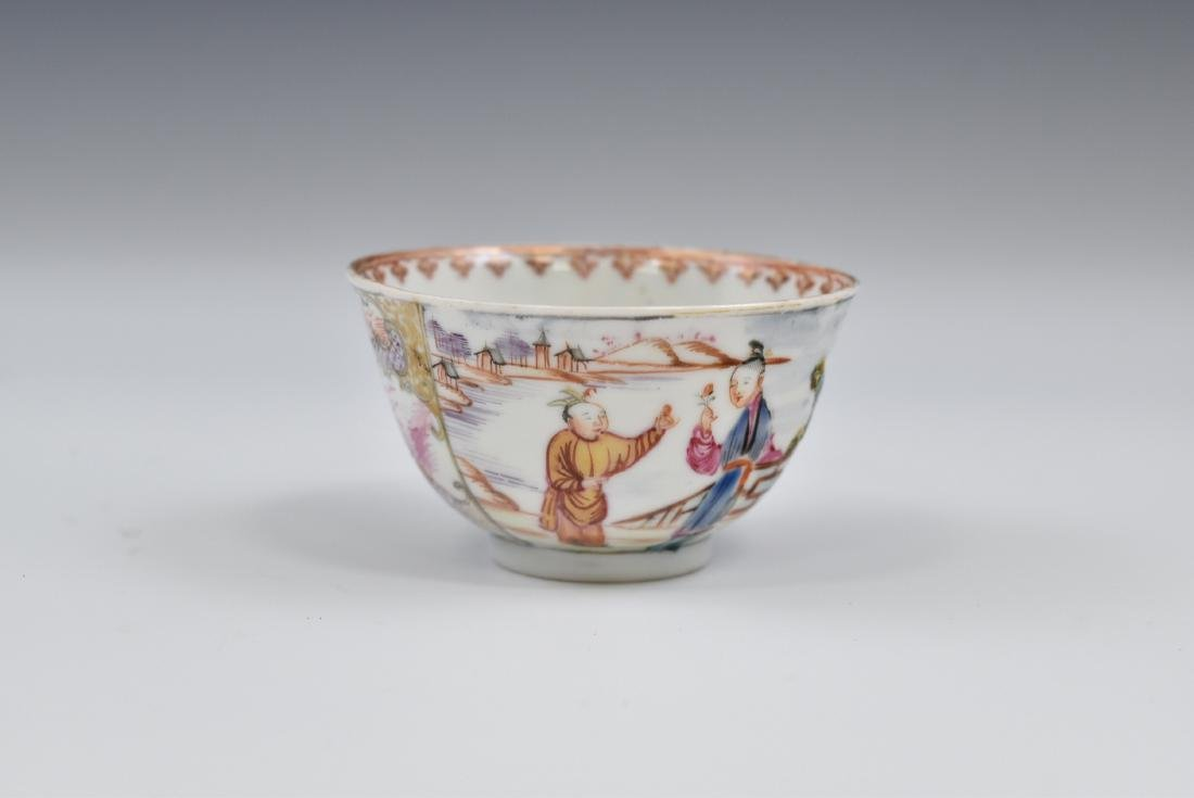 CHINESE EXPORT FAMILLE ROSE AND GILT PORCELAIN TEA CUP - 3