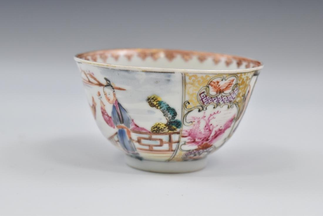 CHINESE EXPORT FAMILLE ROSE AND GILT PORCELAIN TEA CUP - 7