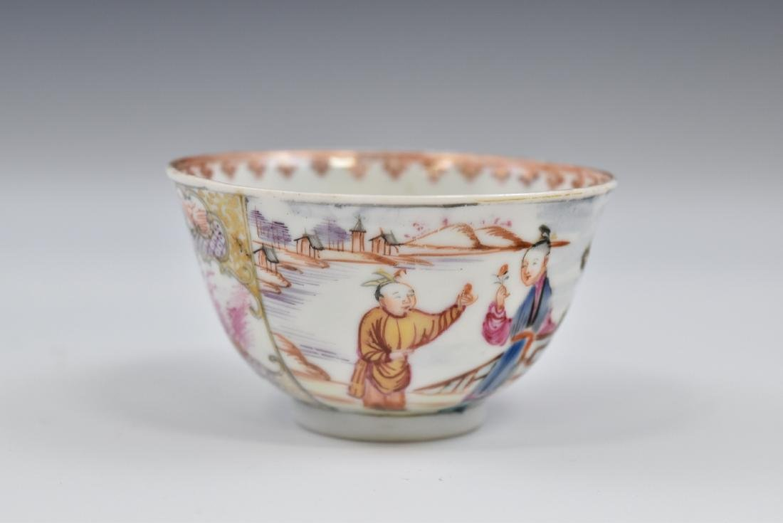 CHINESE EXPORT FAMILLE ROSE AND GILT PORCELAIN TEA CUP - 8