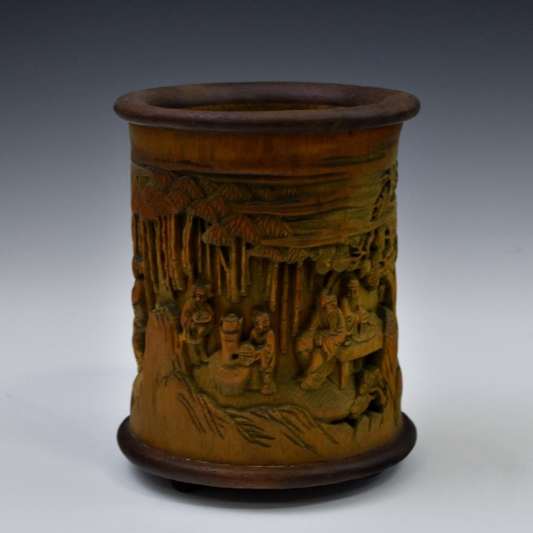 FINELY CARVED BAMBOO SCHOLAR BRUSH POT