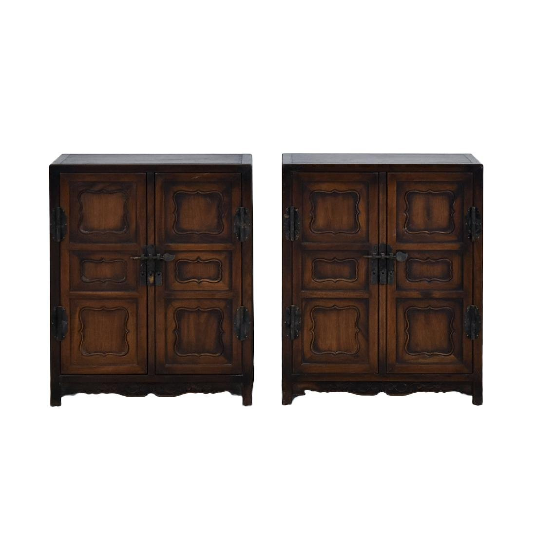18/19TH PAIR OF CHINESE HUANGHUALI WAISTLESS CABINETS