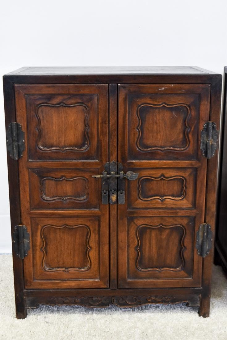 18/19TH PAIR OF CHINESE HUANGHUALI WAISTLESS CABINETS - 3
