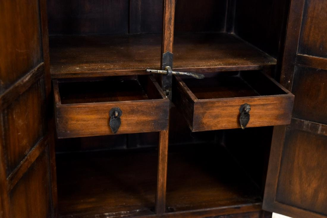 18/19TH PAIR OF CHINESE HUANGHUALI WAISTLESS CABINETS - 7