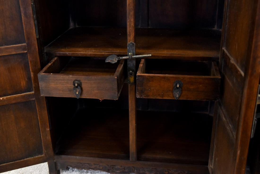 18/19TH PAIR OF CHINESE HUANGHUALI WAISTLESS CABINETS - 8