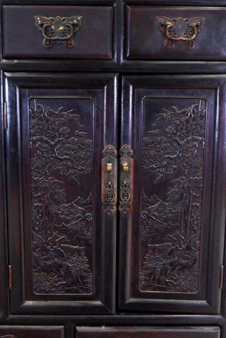 20TH C CHINESE HARDWOOD GALLERY CABINET - 3