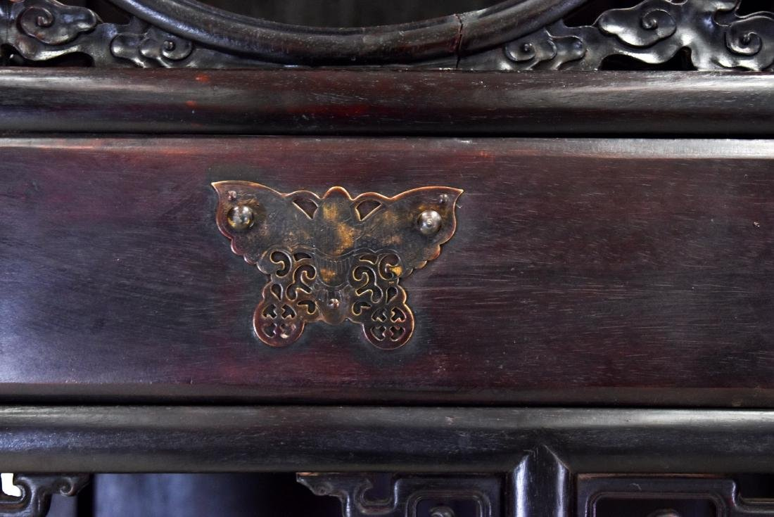 20TH C CHINESE HARDWOOD GALLERY CABINET - 7