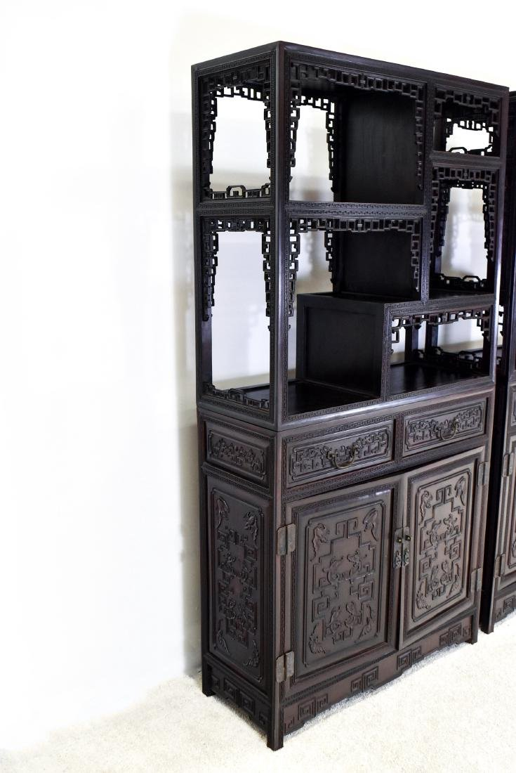 20TH C CARVED CHINESE HARDWOOD GALLERY CABINET - 3