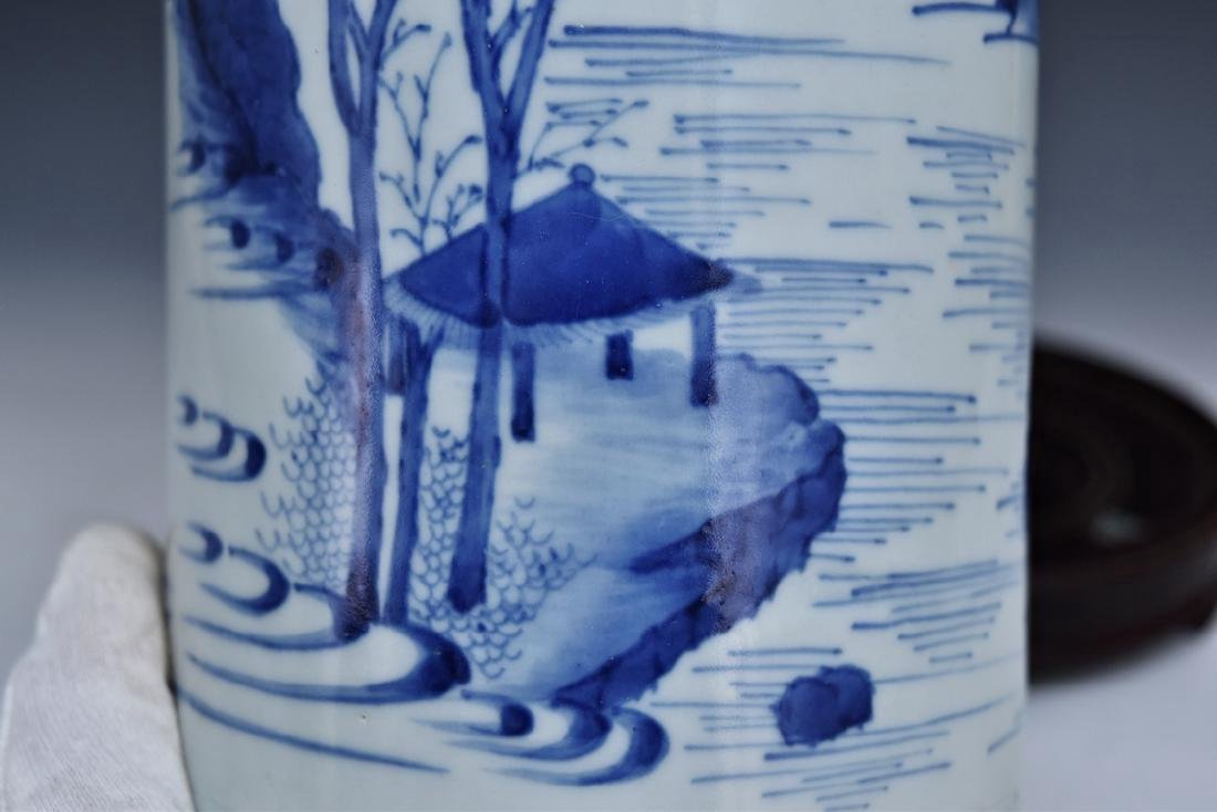 BLUE AND WHITE PORCELAIN BRUSH POT ON STAND - 7