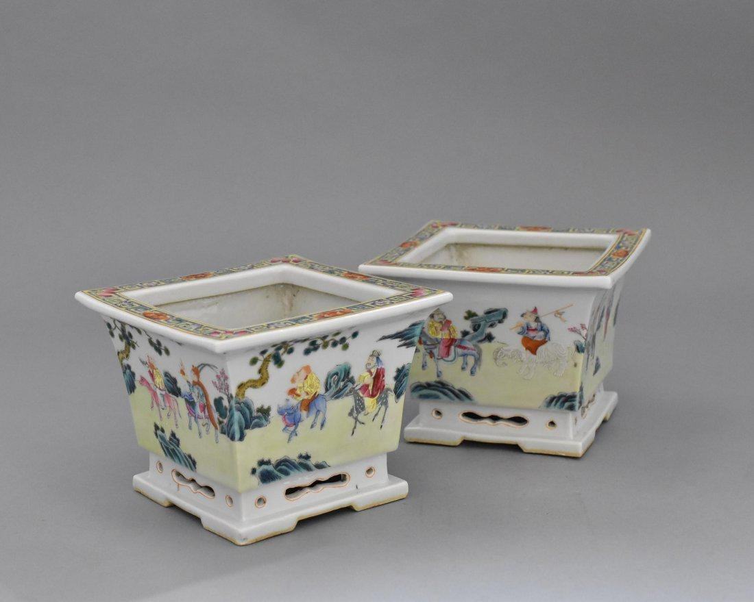 PAIR OF QING PORCELAIN SQUARE PLANT POTS - 2