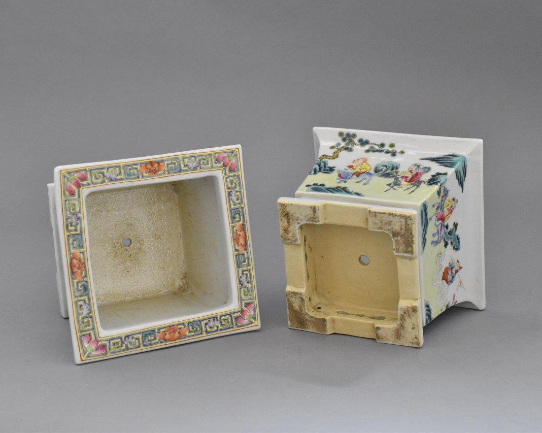 PAIR OF QING PORCELAIN SQUARE PLANT POTS - 3
