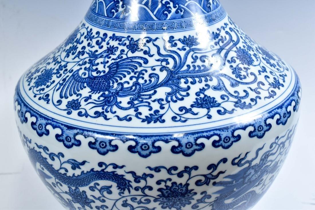 LARGE CHINESE BLUE & WHITE DRAGON LOTUS ARROW VASE - 10