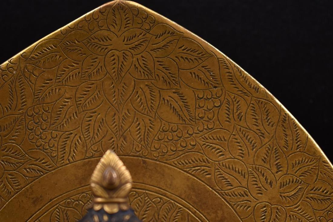 QING GILT BRONZE BUDDHA FIGURE OF VAJRADHARA & AUREOLA - 13