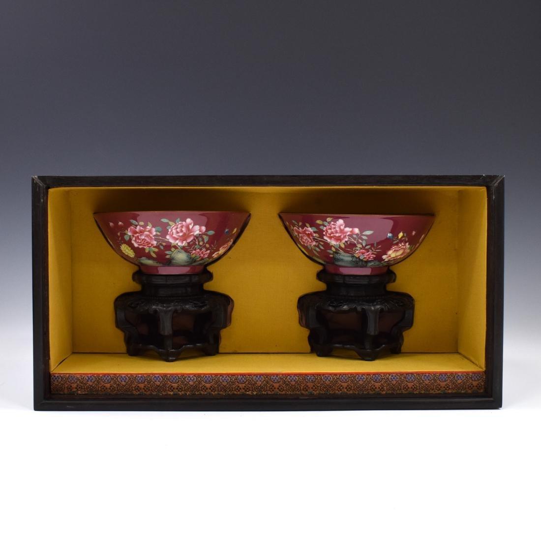 PAIR OF YONGZHENG ENAMEL RUBY RED BOWLS IN BOX