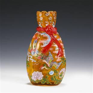 CHINESE PEKING GLASS PHOENIX MOTIF VASE