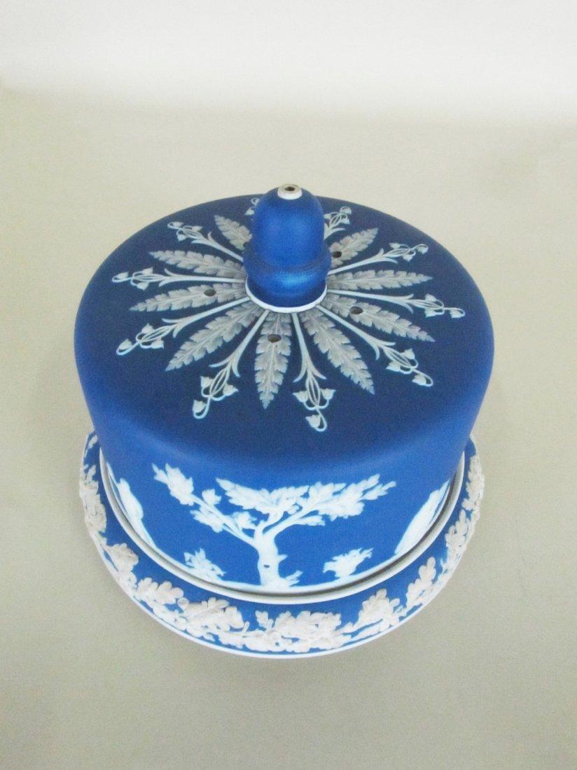 Wedgewood Jasper ware covered cake plate. - 2