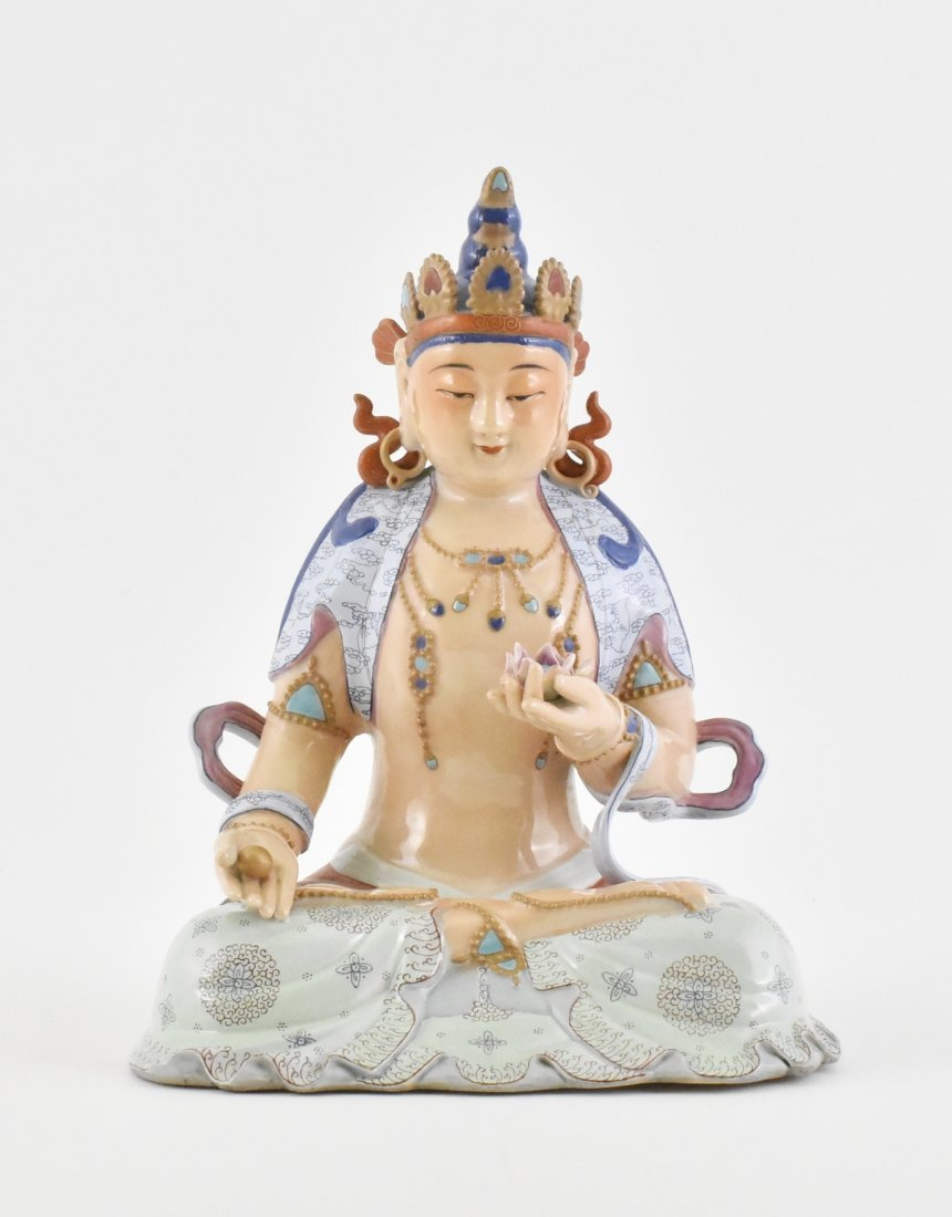 CHINESE FAMILLE ROSE PORCELAIN SEATED BUDDHA
