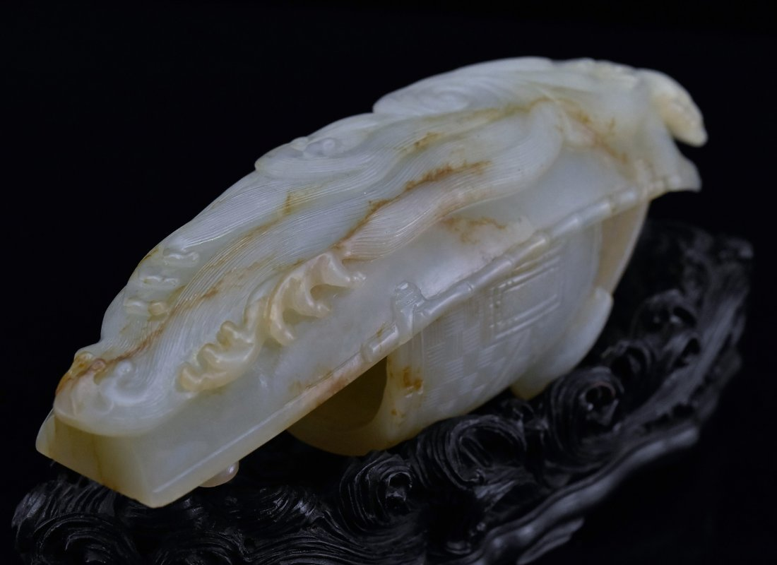 A CARVED CHINESE JADE MODEL OF FIGURES ON BOAT - 9