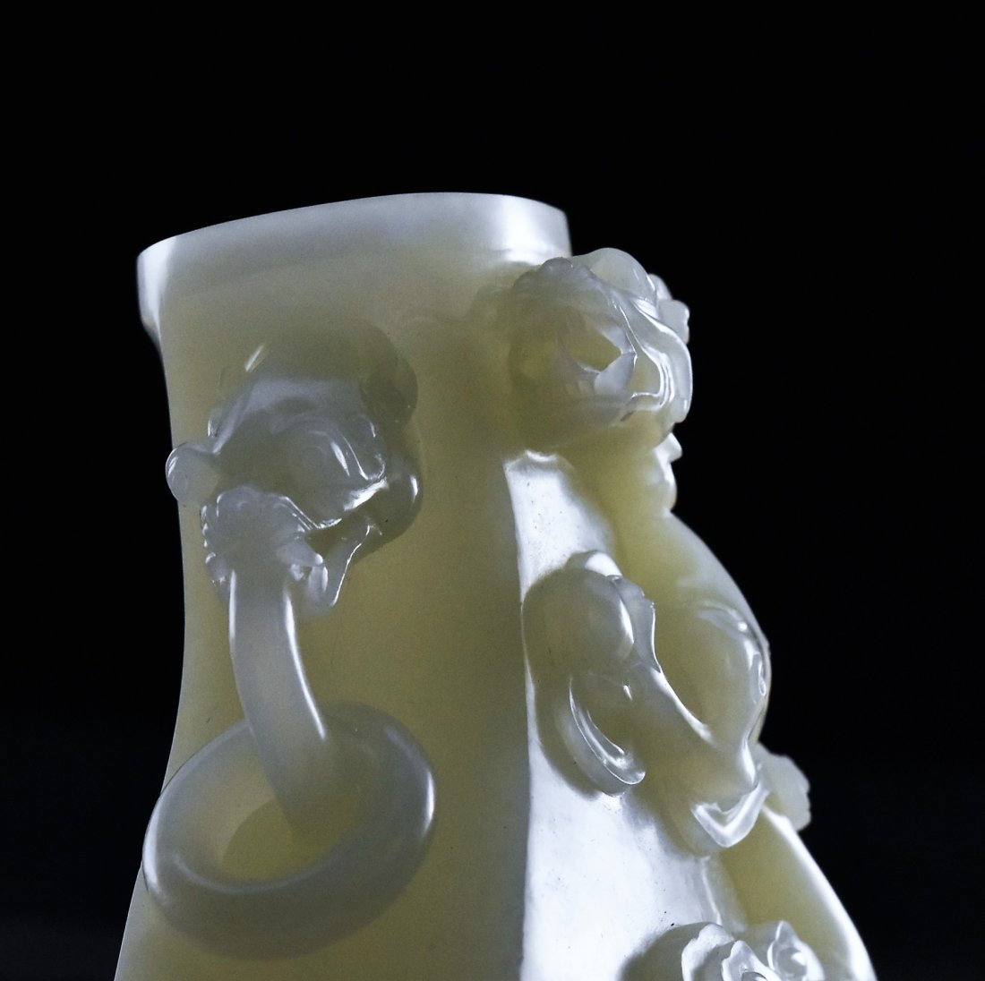 CHILONG DRAGON MOTIF JADE URN - 9