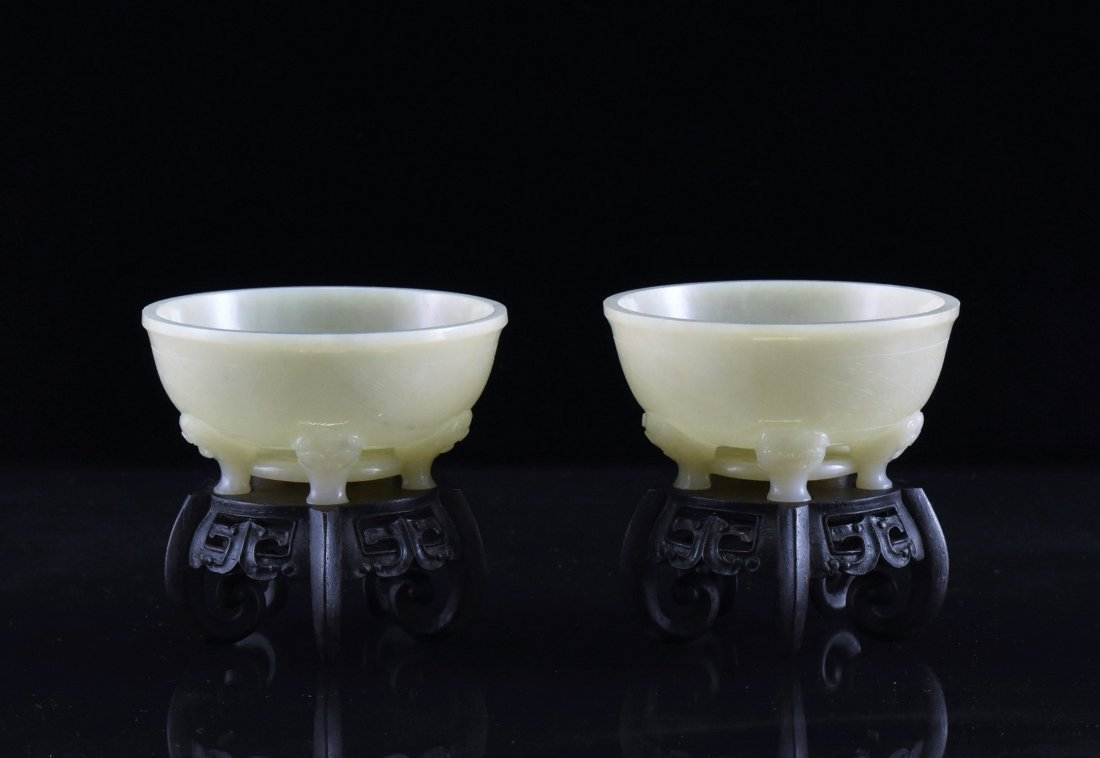 FINE PAIR OF PENTA-POD MARIAGE BOWL ON STAND