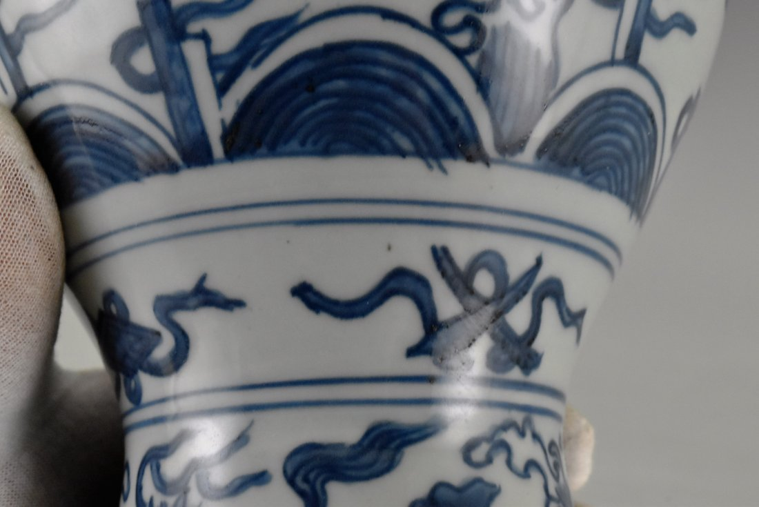 MING HIGH STEM BLUE AND WHITE MEIPING VASE - 10