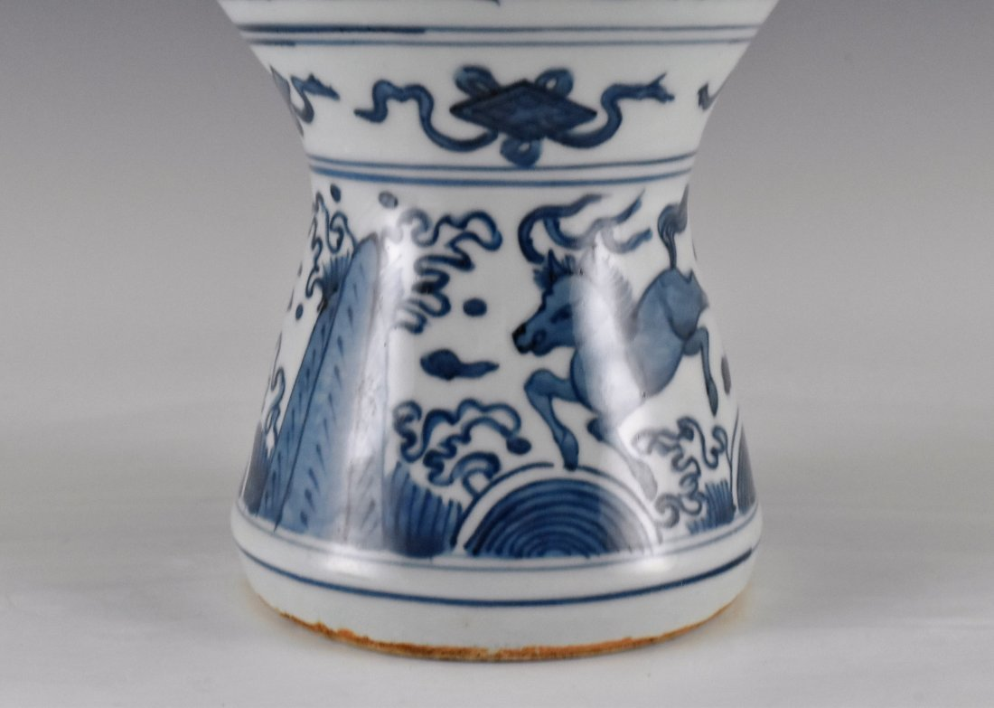 MING HIGH STEM BLUE AND WHITE MEIPING VASE - 4