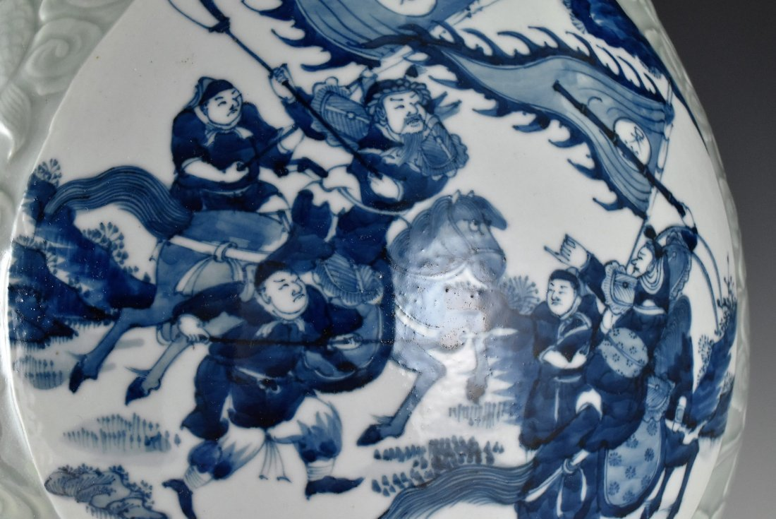BLUE AND WHITE MEDALLION SGRAFIATTO CELADON ZUN VASE - 6