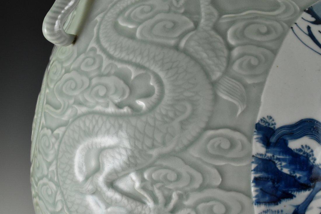 BLUE AND WHITE MEDALLION SGRAFIATTO CELADON ZUN VASE - 7
