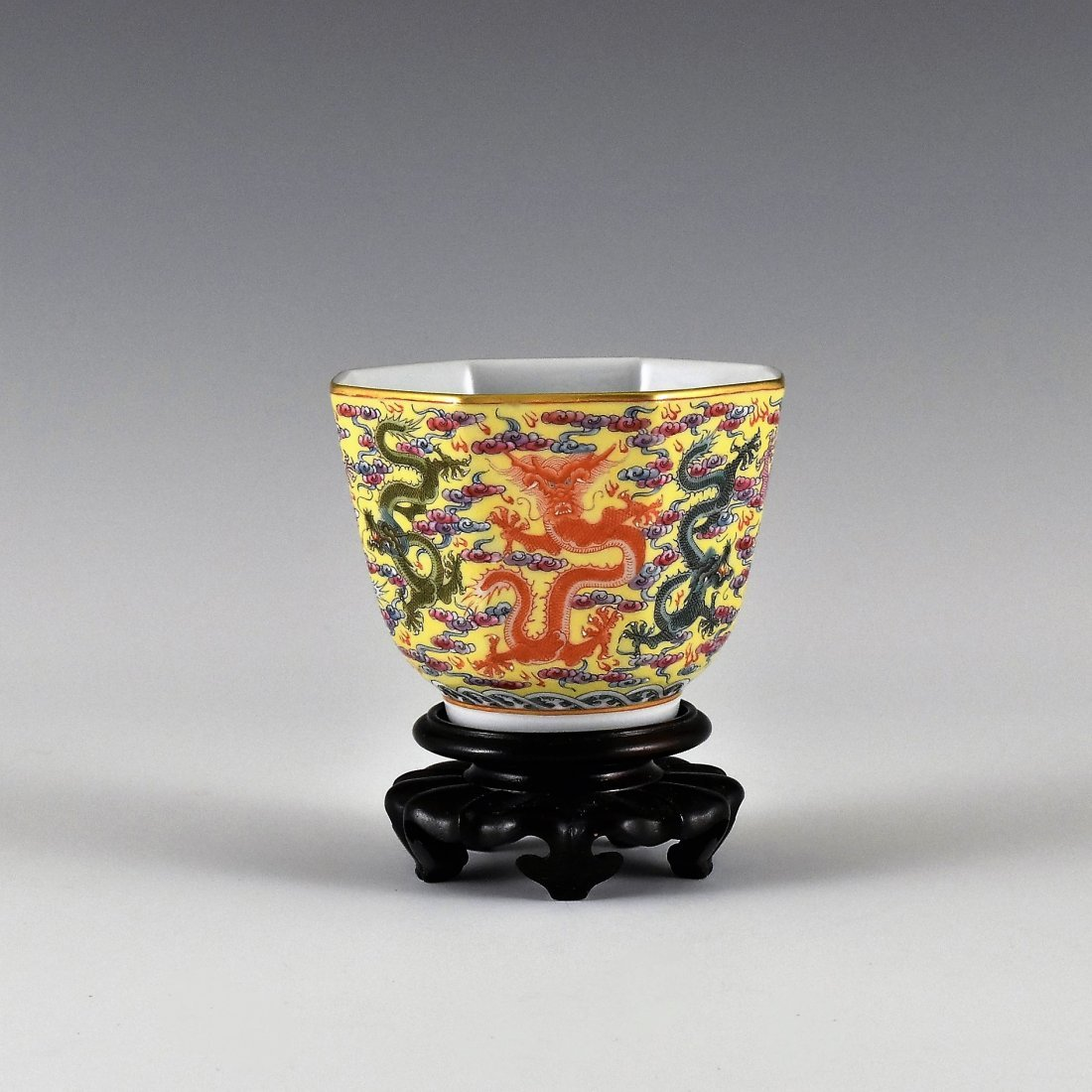 FINE DRAGONS OCTAGONAL WINE CUP ON STAND