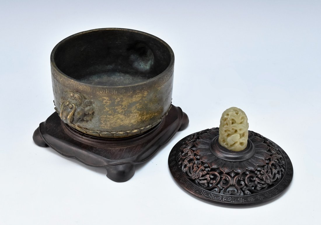 WOODEN COVERED BRONZE CENSER WITH JADE FINIAL ON STAND - 3