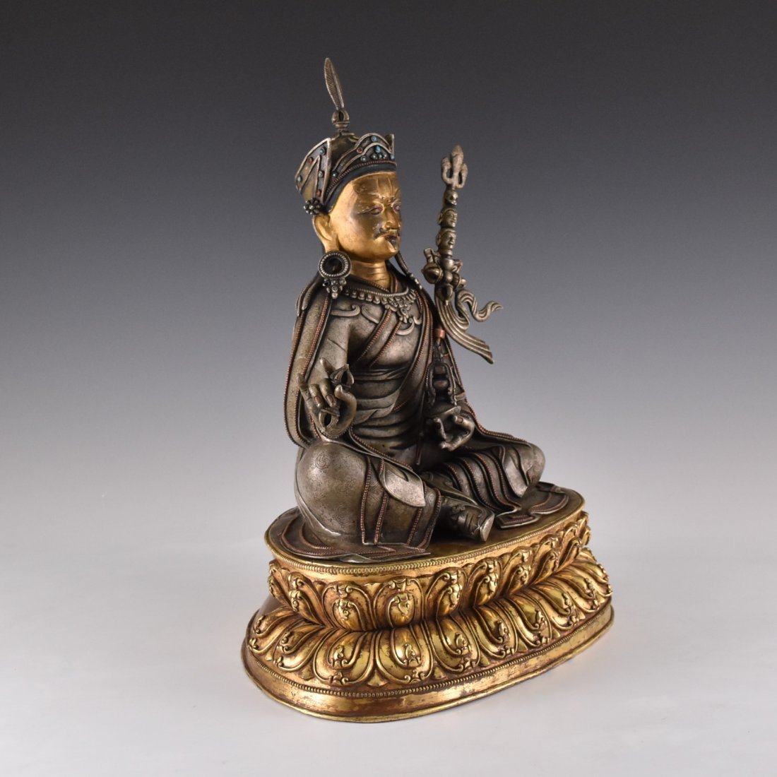 IMPORTANT, 17TH/18TH C. LARGE BRONZE SILVER GILT BUDDHA - 3