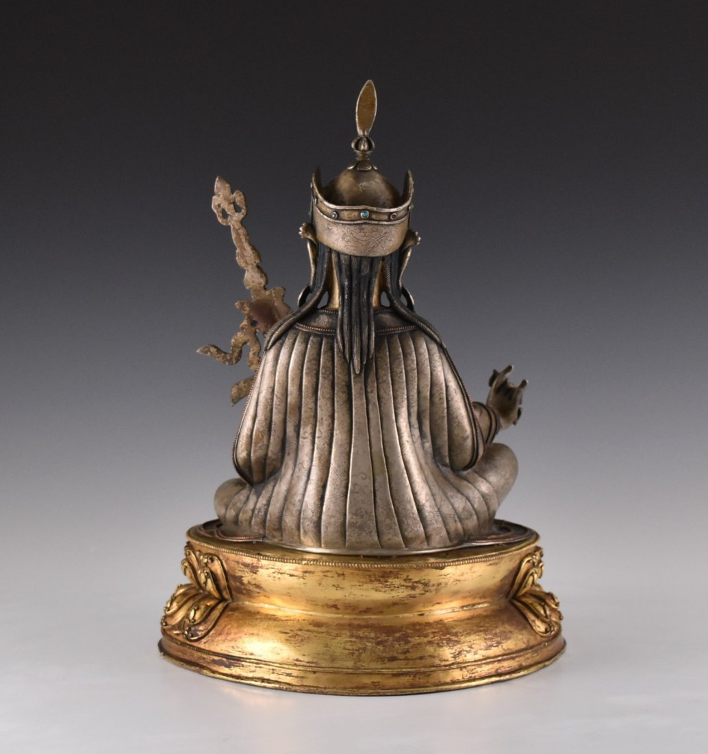 IMPORTANT, 17TH/18TH C. LARGE BRONZE SILVER GILT BUDDHA - 4