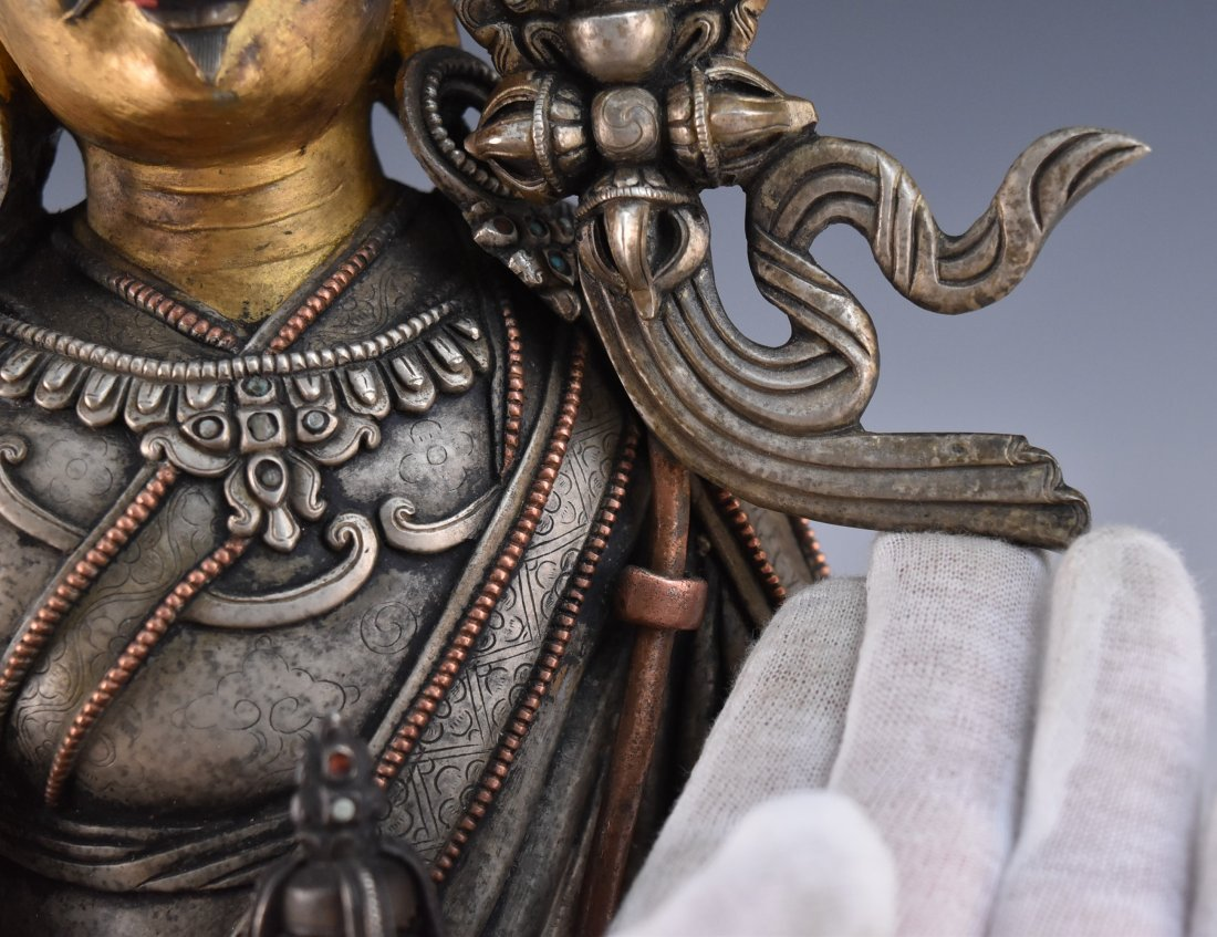 IMPORTANT, 17TH/18TH C. LARGE BRONZE SILVER GILT BUDDHA - 7