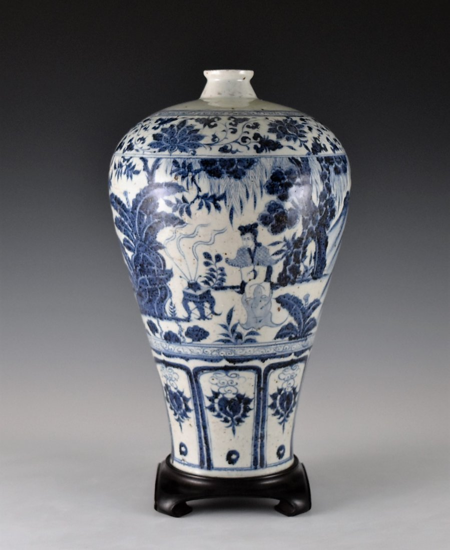 MING BLUE GLAZED MEIPING VASE WITH FIGURES MOTIF - 3