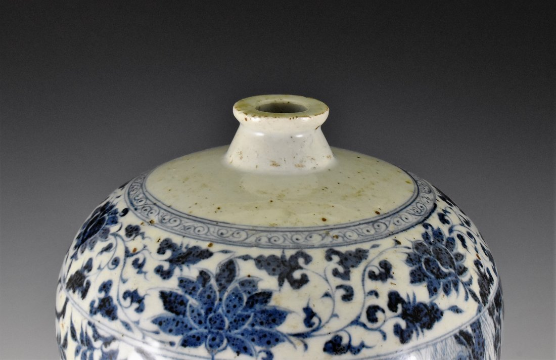 MING BLUE GLAZED MEIPING VASE WITH FIGURES MOTIF - 5