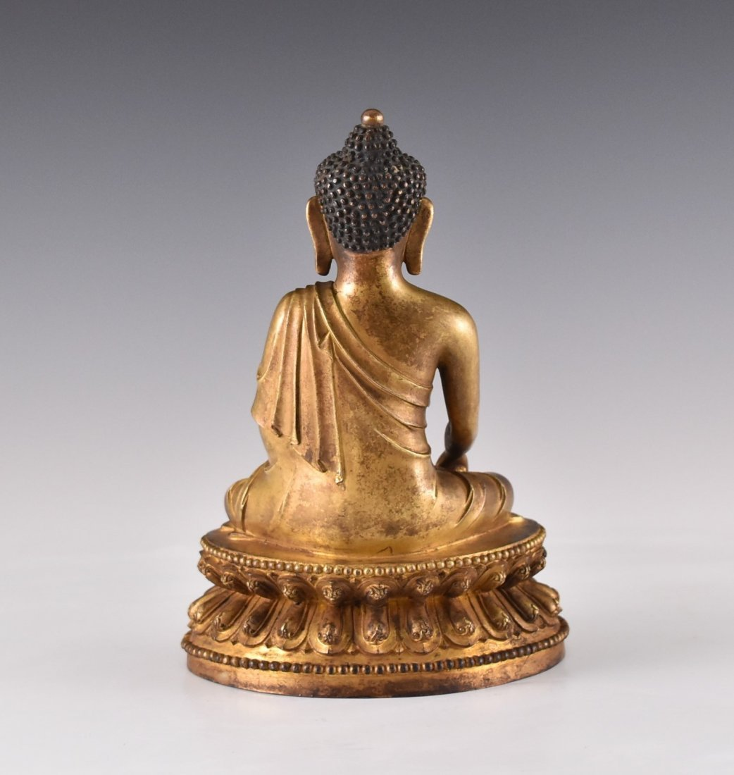 YONGLE MARK, GILT BRONZE FIGURE OF SAKYAMUNI BUDDHA - 3